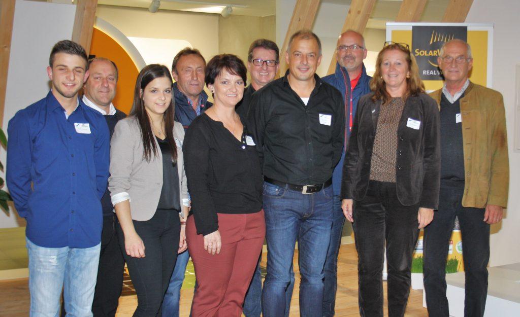 Familie Soppart zusammen mit den anwesenden Bürgermeistern und ILE-Projektmanagerin Gabriele Bergmann (Foto: Heisl)